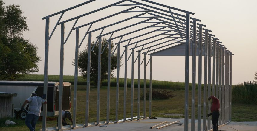 Metal-Building-Installation